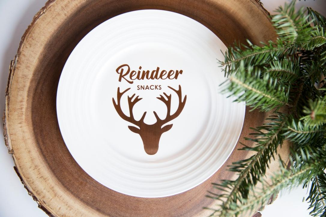 Christmas Plates Reindeer